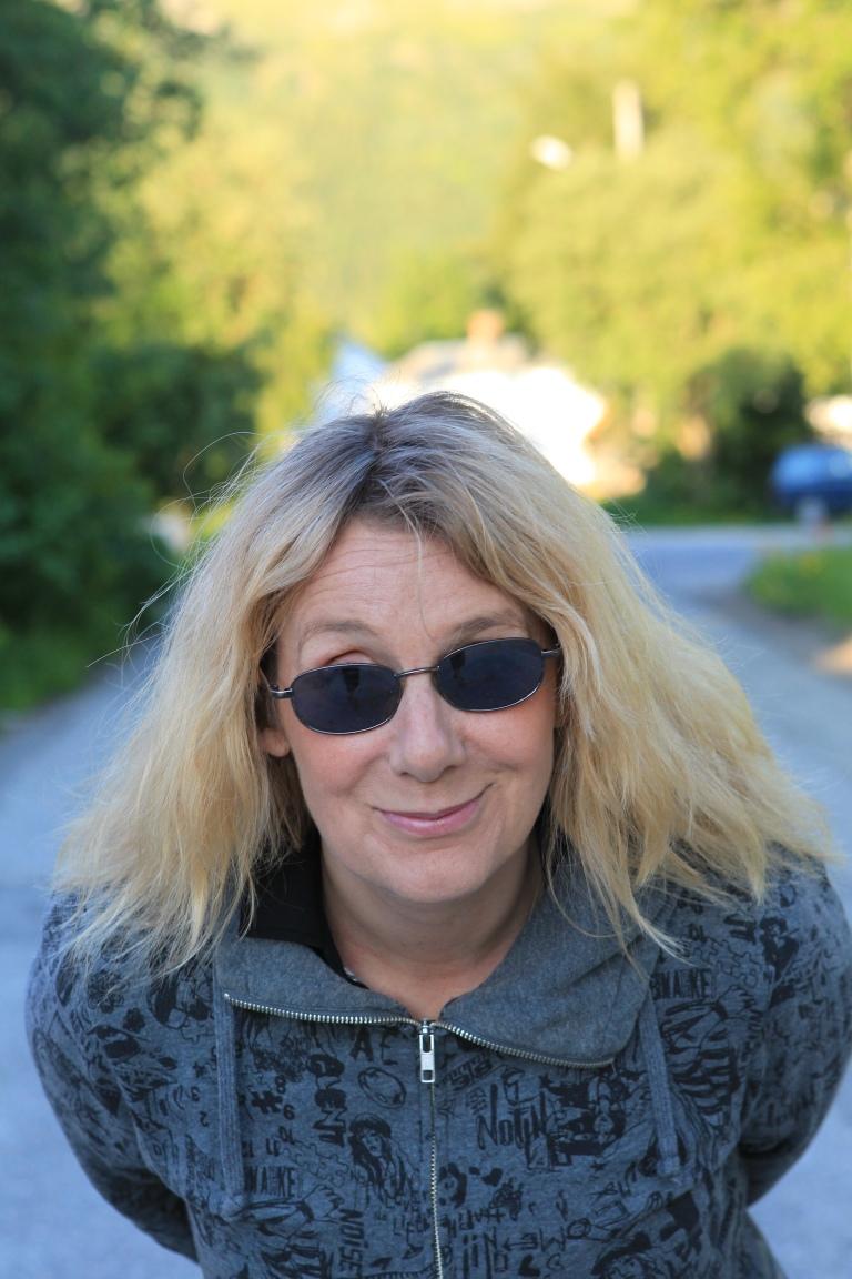 Teater: Kristin Jørgensen er en av mange ildsjeler på Nesna, hun tatt initiativ til både Nesna rockeforening, sommerrock og ikke minst TeaterZahl, lokalteateret på Nesna.